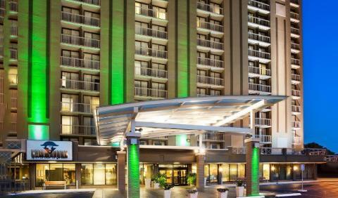 Stay At The Holiday Inn Nashville Vanderbilt Hotel