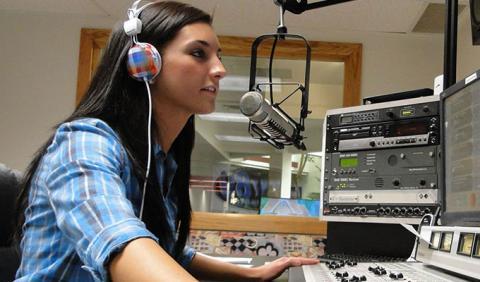 FM Radio Stations in Nashville Tennessee | NashvilleLife com