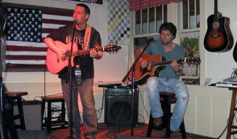 Live Music of Jeremy Dean and Chickenman Dave in a downtown Nashville Restaurant