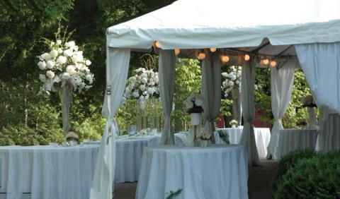 Elegant Nashville Wedding Rental Tents and Supplies